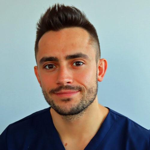 Dr Piotr